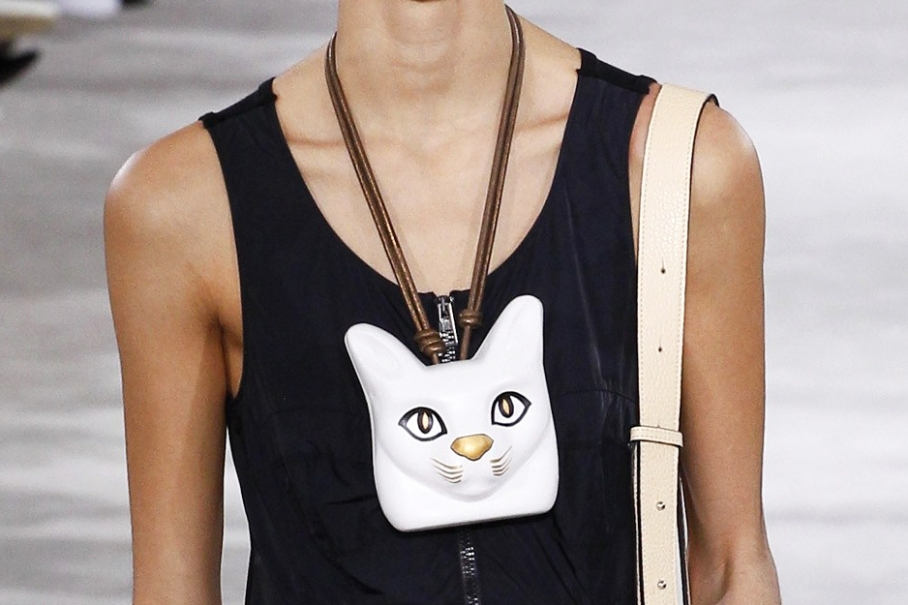 Loewe AW 2016 cat necklace
