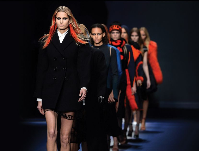 versace-aw-2017-pic-1