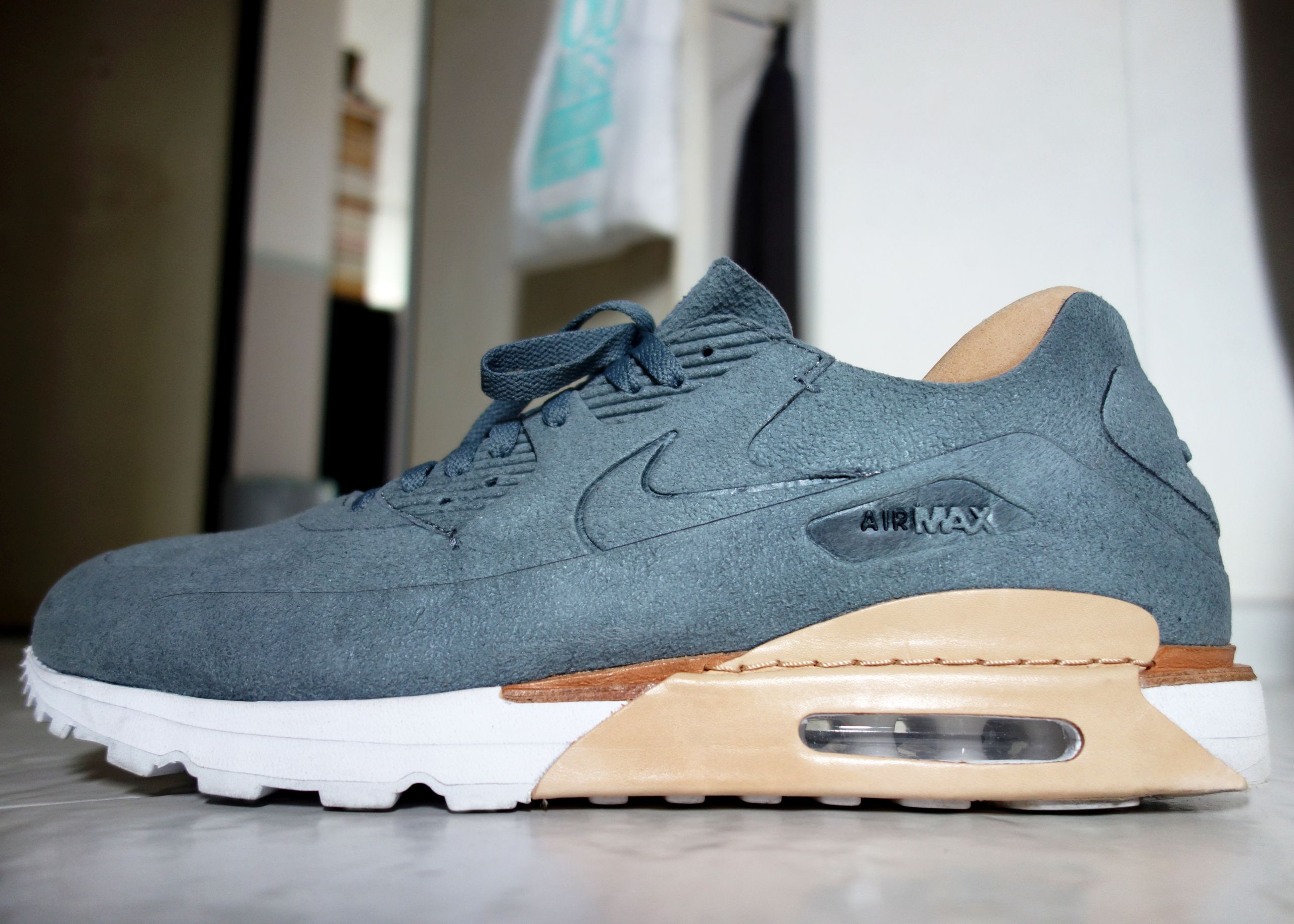 Air Max 90 Royal Pic 2