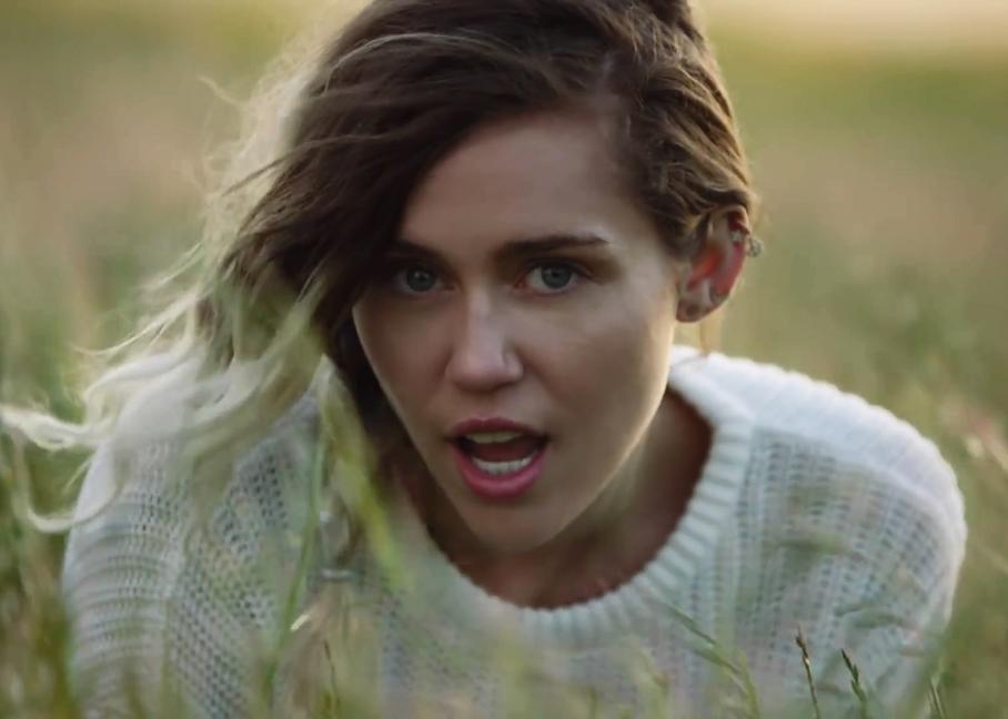 Miley Cyrus (Malinbu) 4