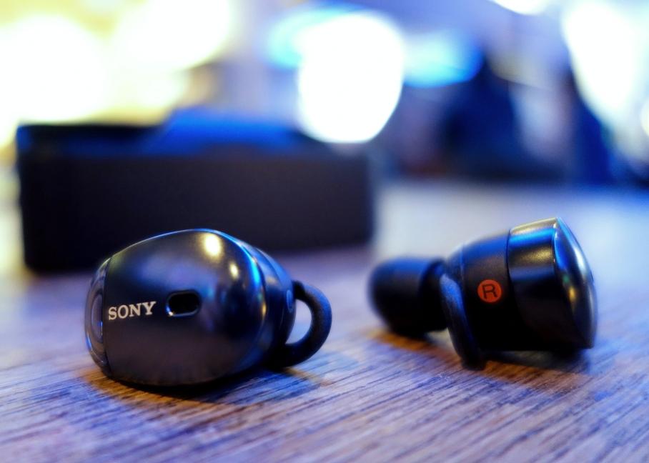 Sony WF 10000X earbuds P2