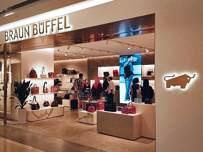 Braun Buffel store @ION orchard
